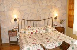 """Casa Rural Tierras de Moya - suite """"Puerta de la Villa"""""""